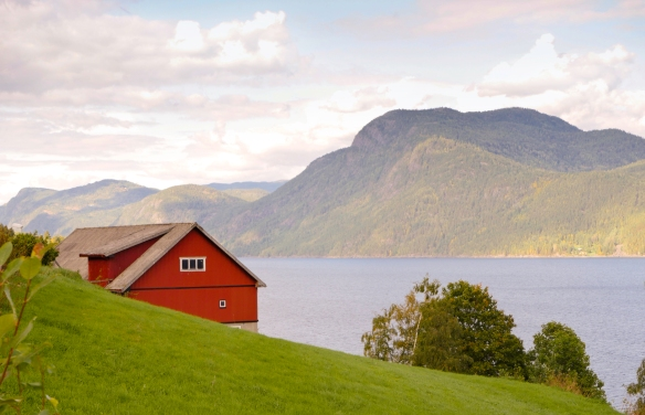red-barn-tinn-sea-sm