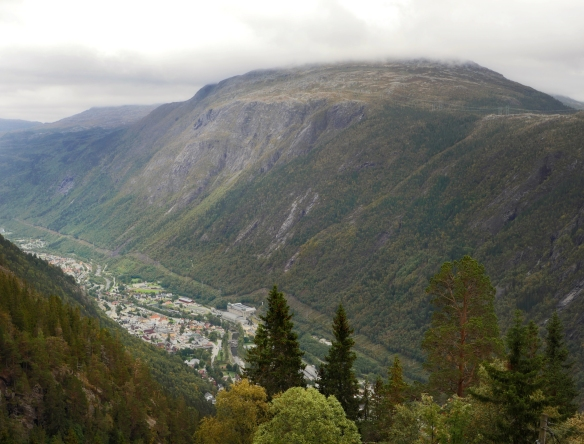 saturday-rjukan-valley2_sm